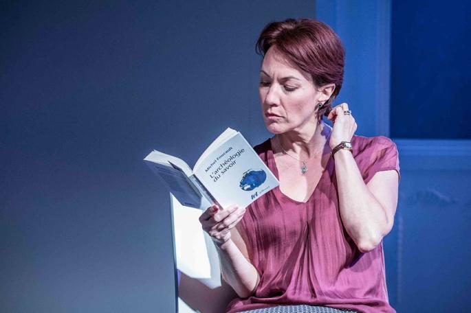 The-Truth-Wyndhams-Theatre-Photo-Marc-Brenner-01.jpg