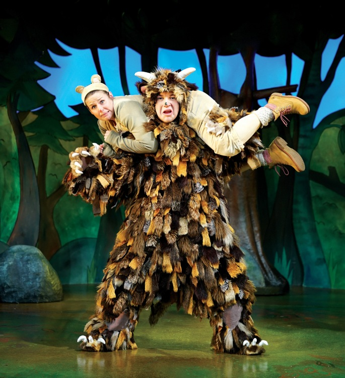 Steve Mccourt (The Gruffalo) & Ellie Bell (Mouse) 2.jpg