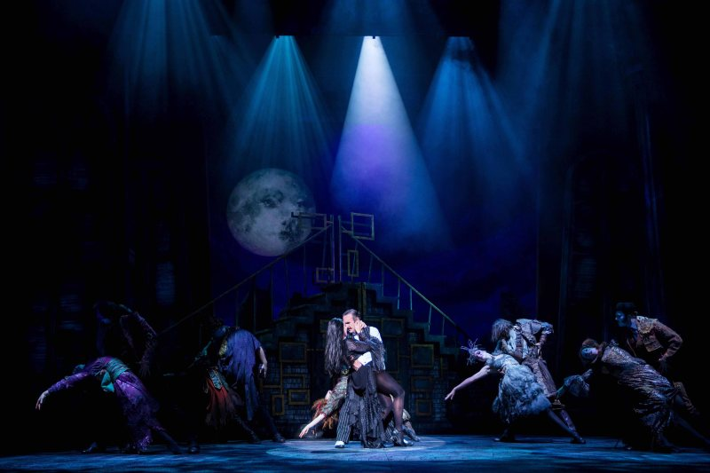 Samantha Womack as Morticia Addams and Cameron Blakely as Gomez Addams (centre) in THE ADDAMS FAMILY. Credit Matt Martin (2)_edited-2.jpg